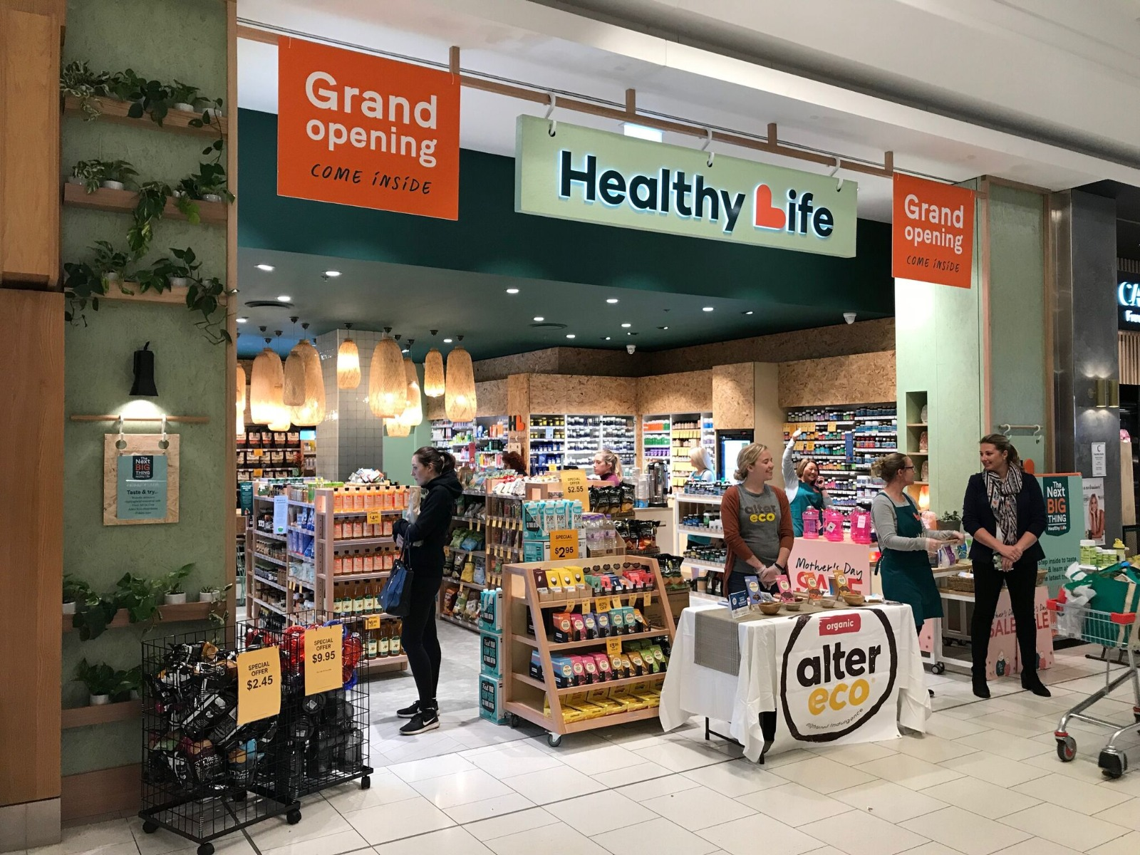 New look Healthy Life store